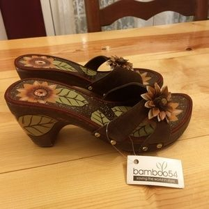 Bamboo54 sunflower wood heel sandal shoes sz 8 NWT